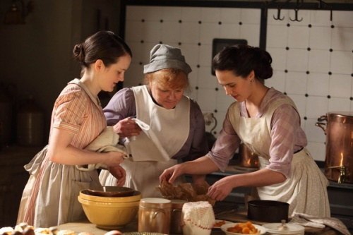 downton-abbey-cooking-scene-with-earthenware-bowls