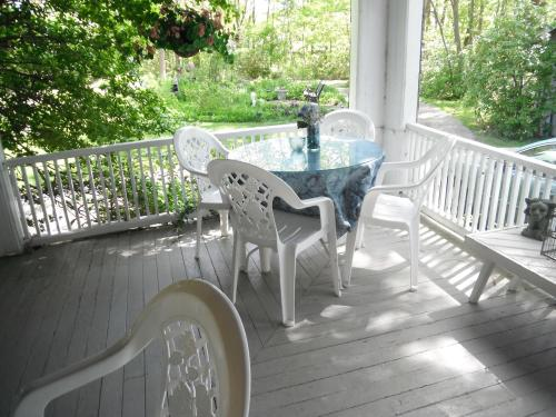 tanglewoodporch